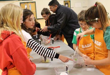 Earth Rangers is working hands-on with students across Canada, thanks to BASF and PromoScience